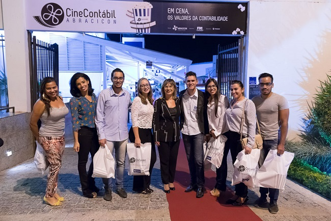Maria Clara e Contabilistas_Cine_3_baixa